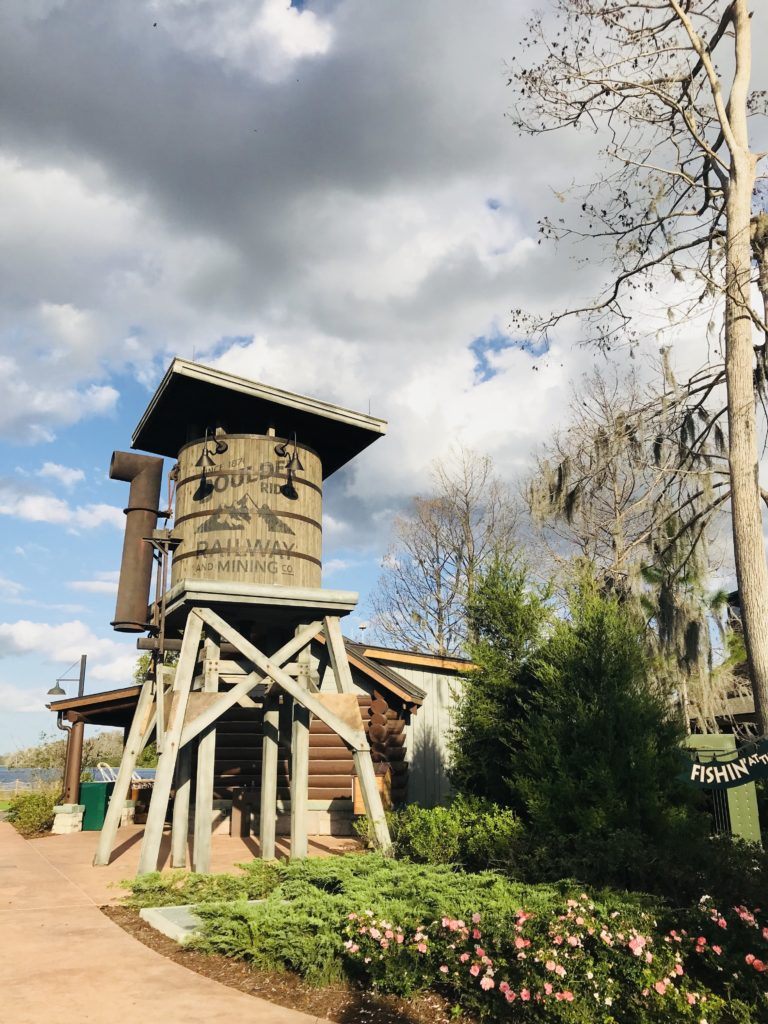 Geyser Point Bar & Grill at The Wilderness Lodge